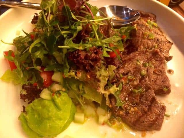 Beef fillet and rucola salad