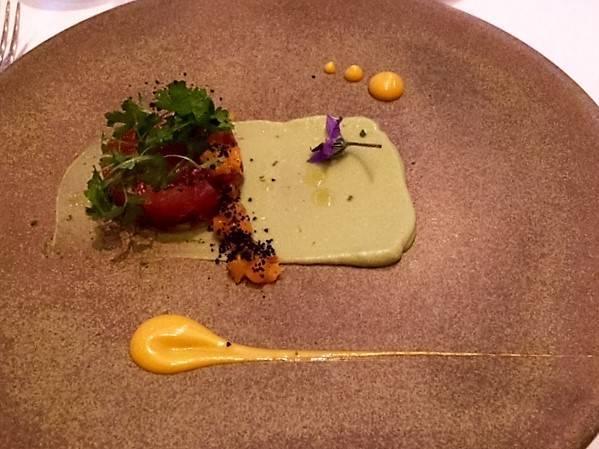 Tuna tartar starter at L'Anima