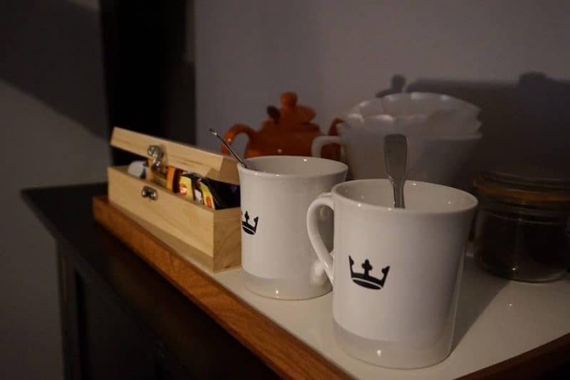 Tea and coffee caddy