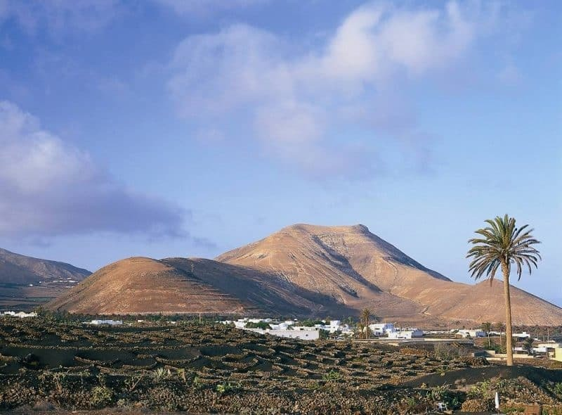 Lanzarote Yaiza walking holiday