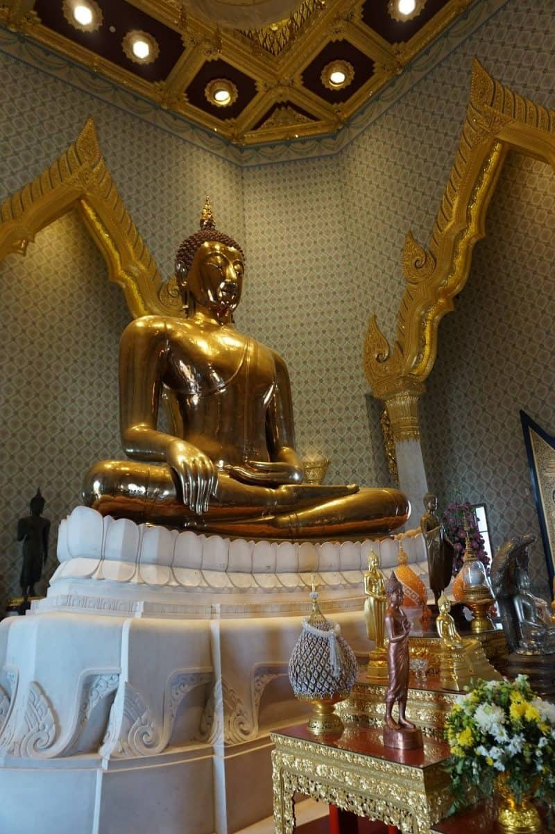 Wat Trimitr temple in Bangkok