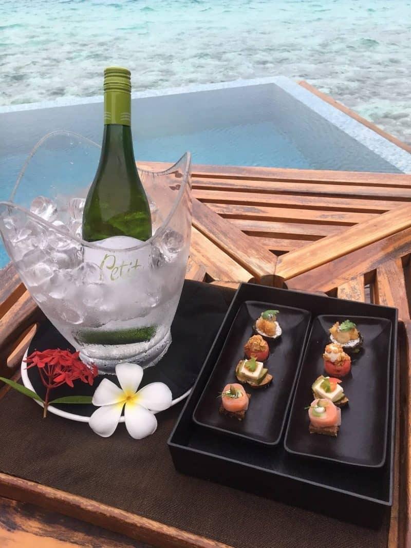 Wine leaving gift at Huvafen Fushi