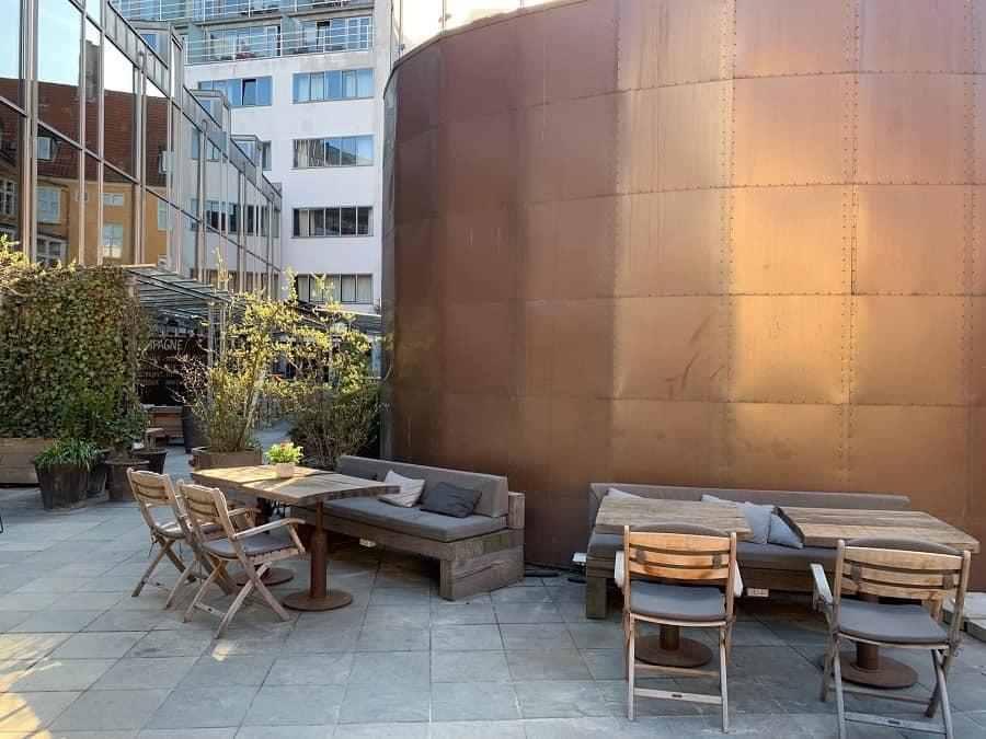 Courtyard bar and dining at Skt Petri