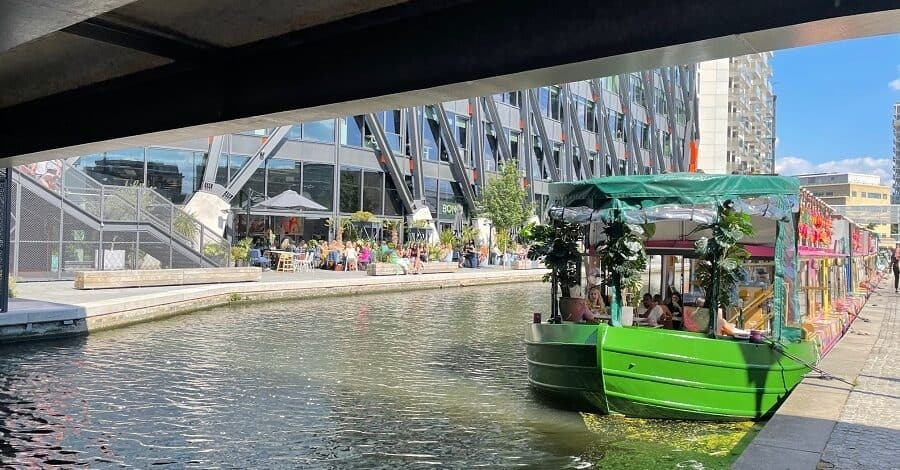 Darcie & May Green boat in Paddington