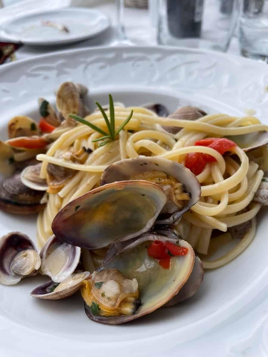 Plate of spaghetti vongole from Il Gabbiano in Taormina